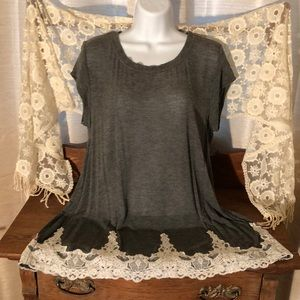 Rewind gray XL t-shirt with cream lacy